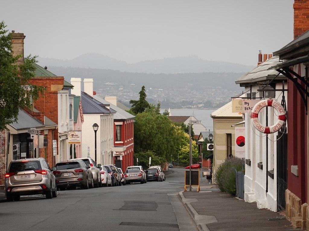 Hobart: Hampden Road