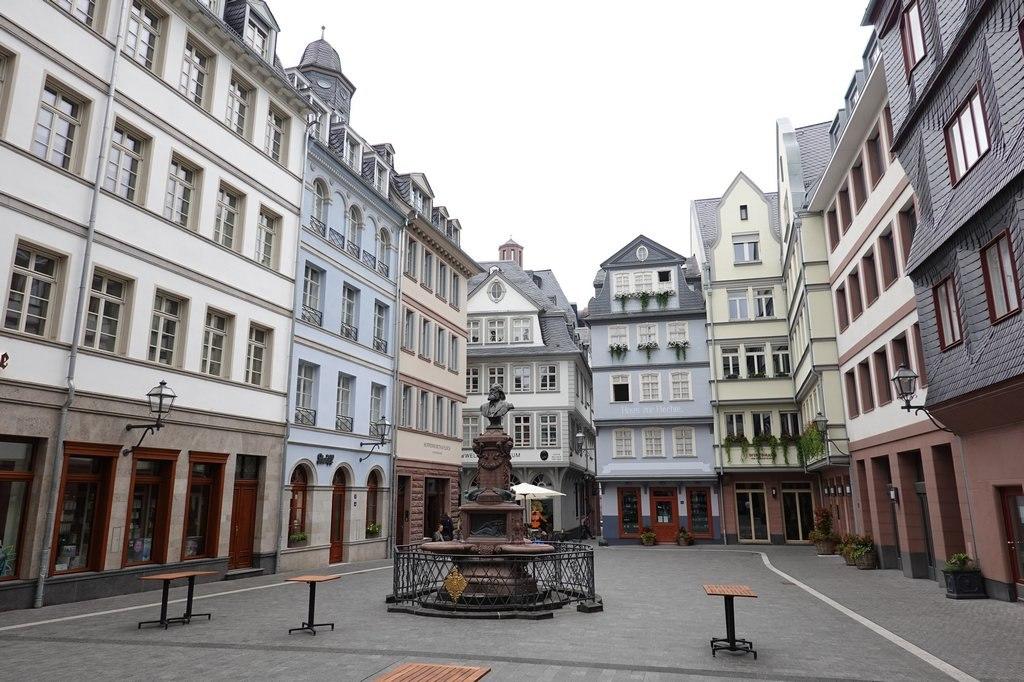Frankfurt: New Frankfurt Old Town