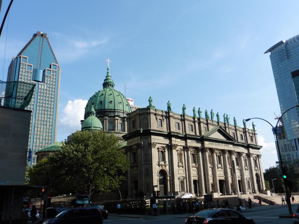 Montréal - Cathédral Marie-Reine-du-Monde