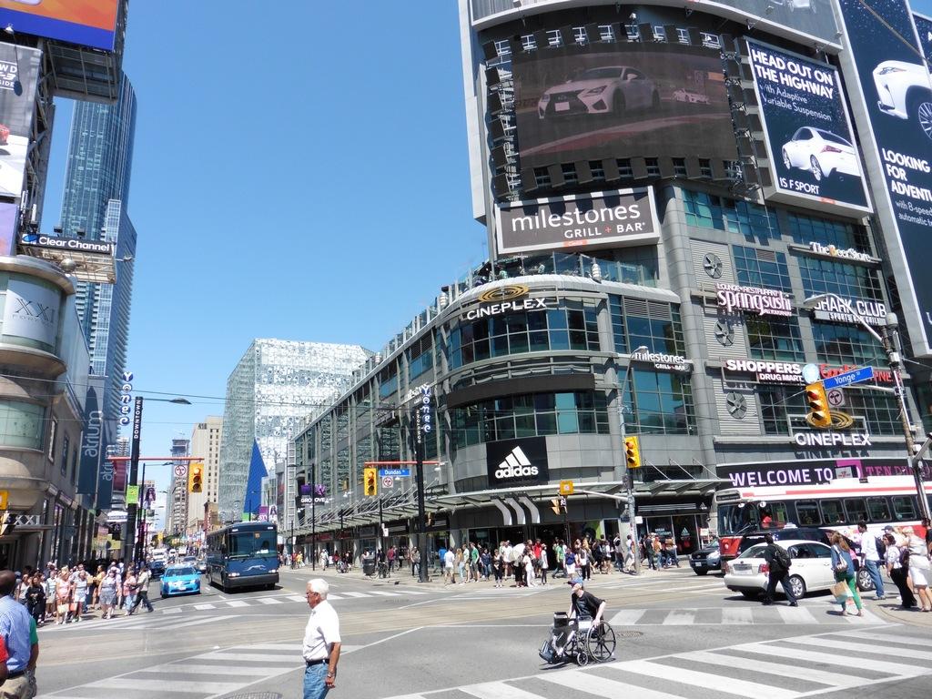 Toronto - Yonge-Dundas Square