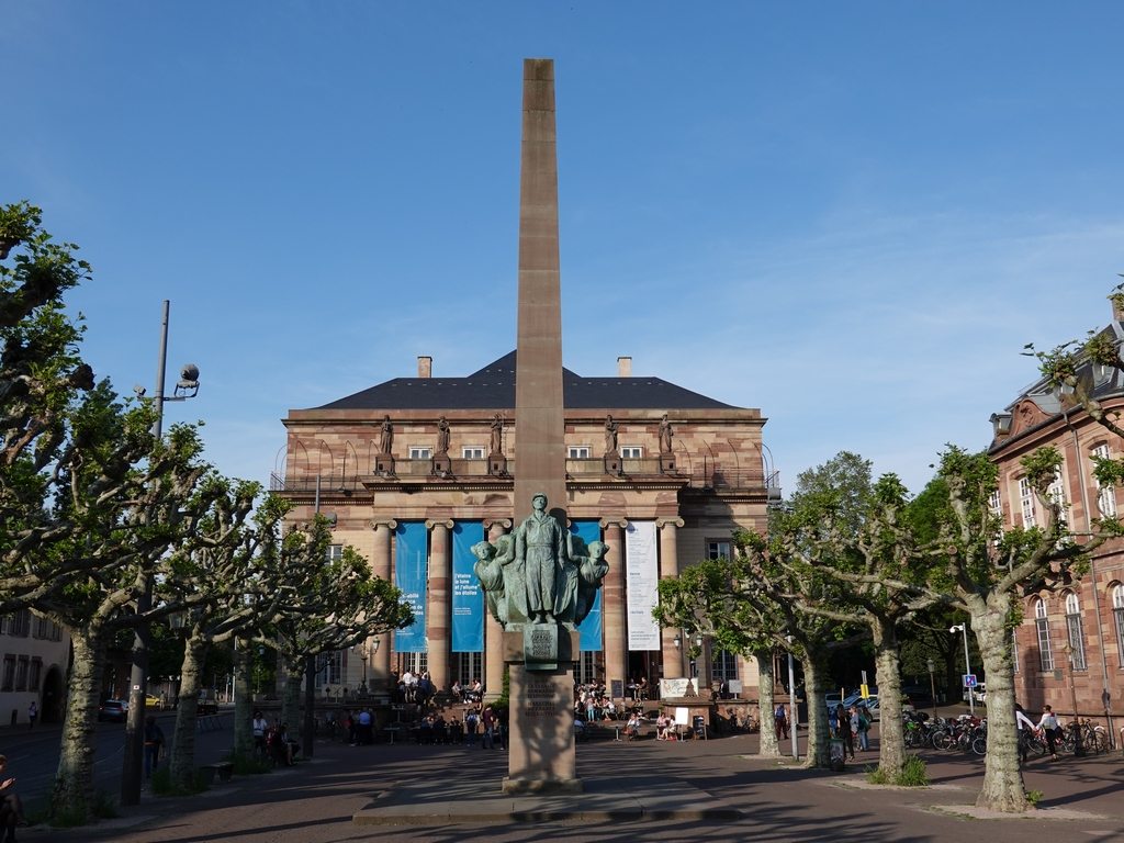 Strasbourg / Straßburg: Opéra de Strasbourg & Monument du Maréchal Leclerc