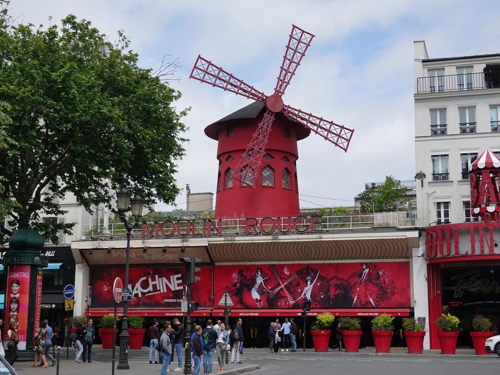 Paris: Moulin Rouge