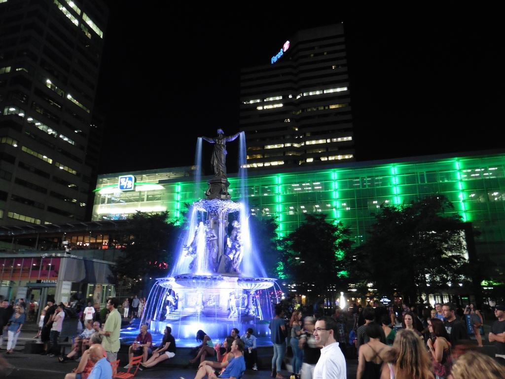 Cincinnati: Fountain Square